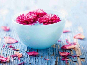 Come fare acqua di rose a casa