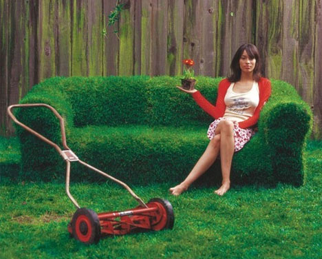 grass-covered-sod-sofa