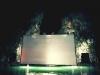 archipelago cinema, lo schermo illuminato contro i faraglioni