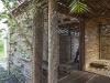 un dettaglio della casa di bambù