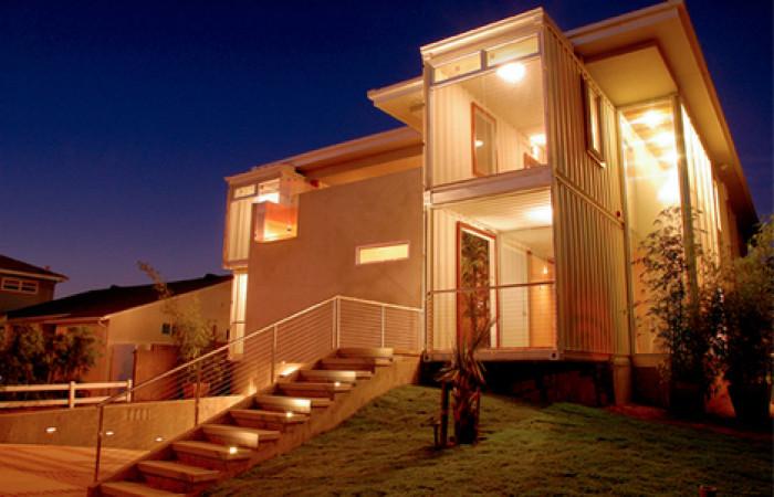 redondobeach house è fatta da container