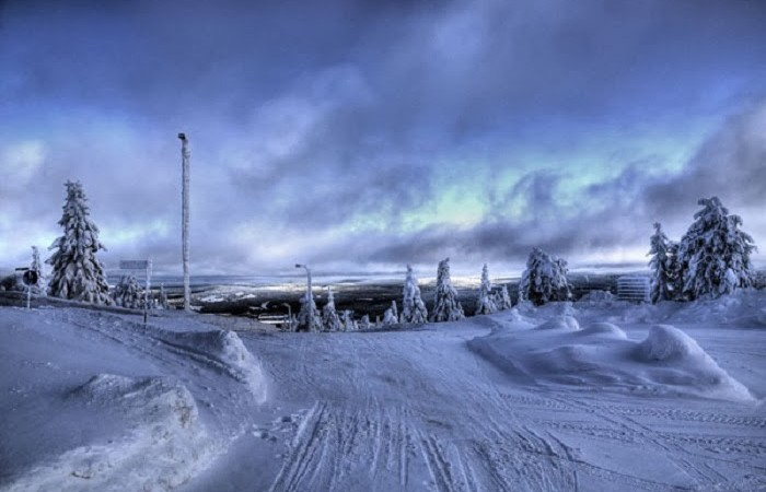 lapland-is-the-kind-of-place-where-you-could-really-be-at-one-with-nature-as-long-as-you-packed-enough-warm-clothes-1