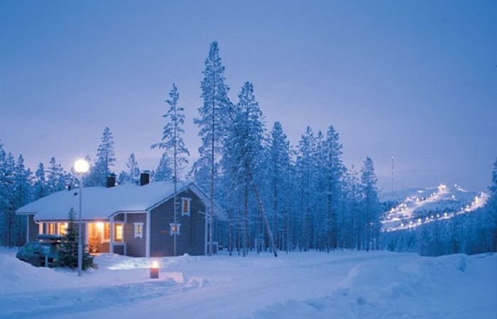 lapland-is-the-kind-of-place-where-you-could-really-be-at-one-with-nature-as-long-as-you-packed-enough-warm-clothes-3