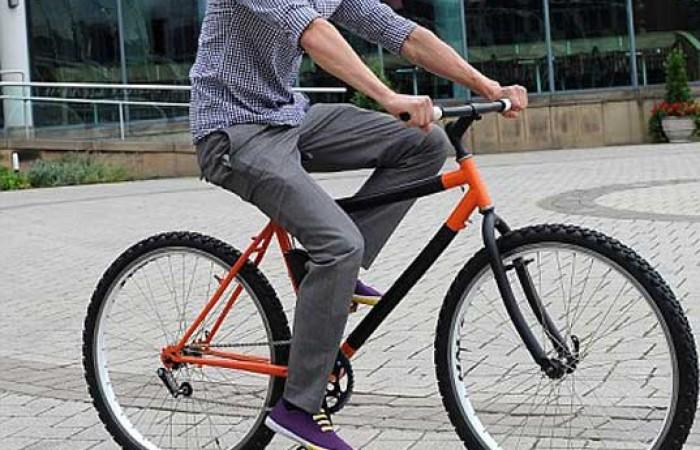 Kevin scott e la sua bici pieghevole tuttogreen for Bici pieghevole milano