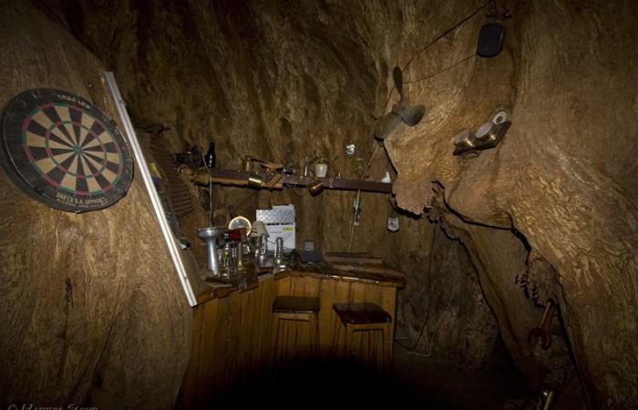 Il pub nel baobab, l'interno