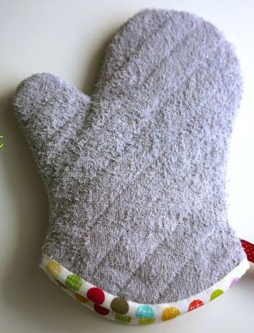 kitchen glove from old tovels