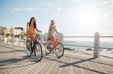 Tutto sugli accessori bici donna (e un facile trucco per andare in bicicletta con la gonna)