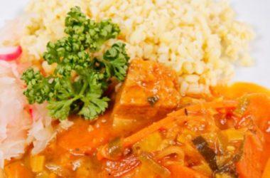 Gulasch di seitan: una variante originale, ma non meno saporita, del piatto tipico ungherese