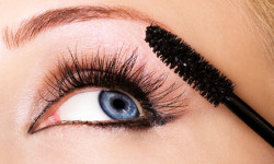 Come fare un mascara fai da te con ingredienti naturali