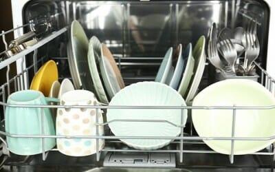 pulizia lavastoviglie in modo naturale: 5 consigli - tuttogreen