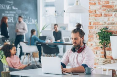 Che cos'è il coworking e quali benefici porta