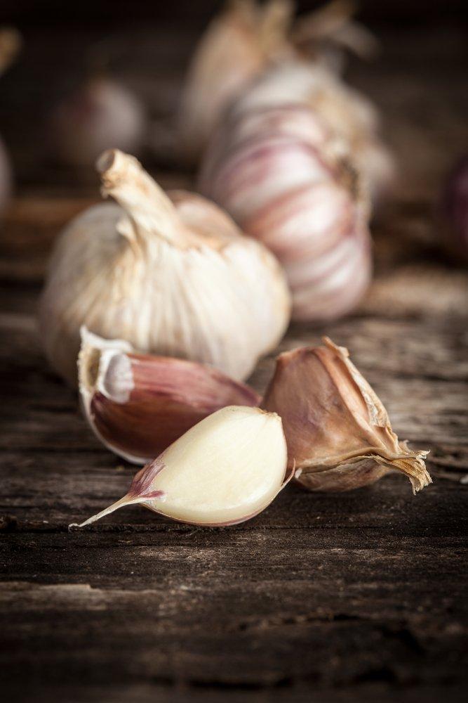Photo of Mangiare aglio crudo: proprietà e benefici