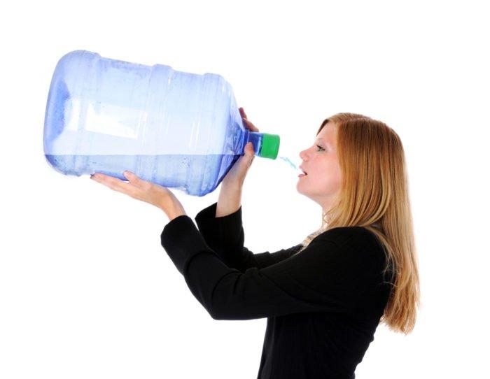 bere acqua fa bene alla salute