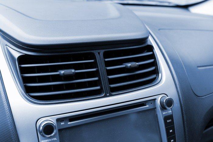 Photo of Vi spieghiamo come consumare meno benzina guidando