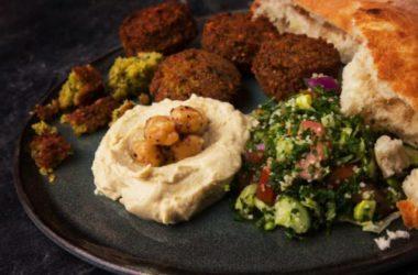 Scoprite ingredienti e ricetta per fare i Falafel, le polpette vegetariane originarie del Libano