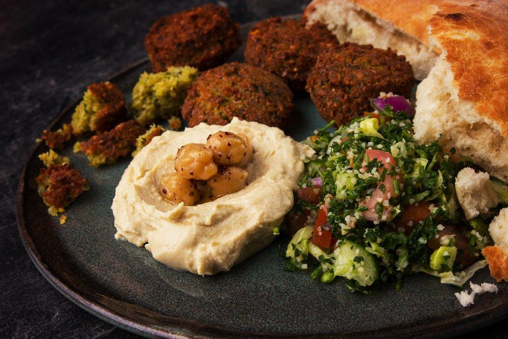 Photo of Scoprite ingredienti e ricetta per fare i Falafel, le polpette vegetariane originarie del Libano