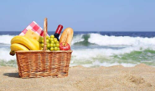 Photo of Tutti gli alimenti per proteggere la pelle dal sole e rafforzarla in modo naturale