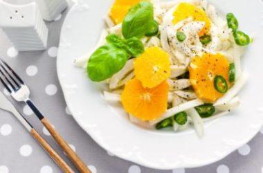 La ricetta dell'insalata di finocchi e arance alla siciliana, un piatto davvero rinfrescante