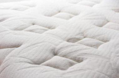 Come pulire il materasso con metodi naturali