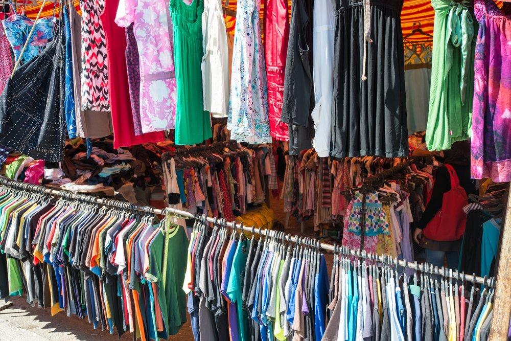 Photo of Sai come vendere i vestiti usati? La guida per farlo con successo