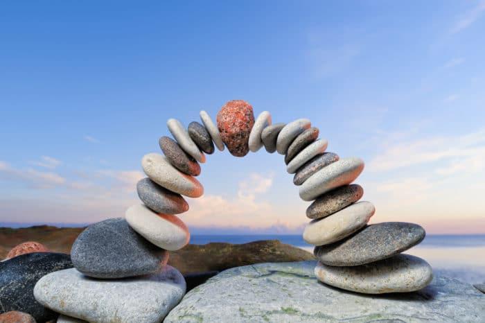 land art pietre in equilibrio