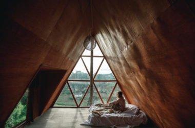 Un rifugio in legno per fuggire da tutto