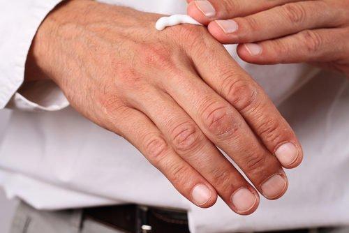 crema mani per proteggere la pelle dal freddo