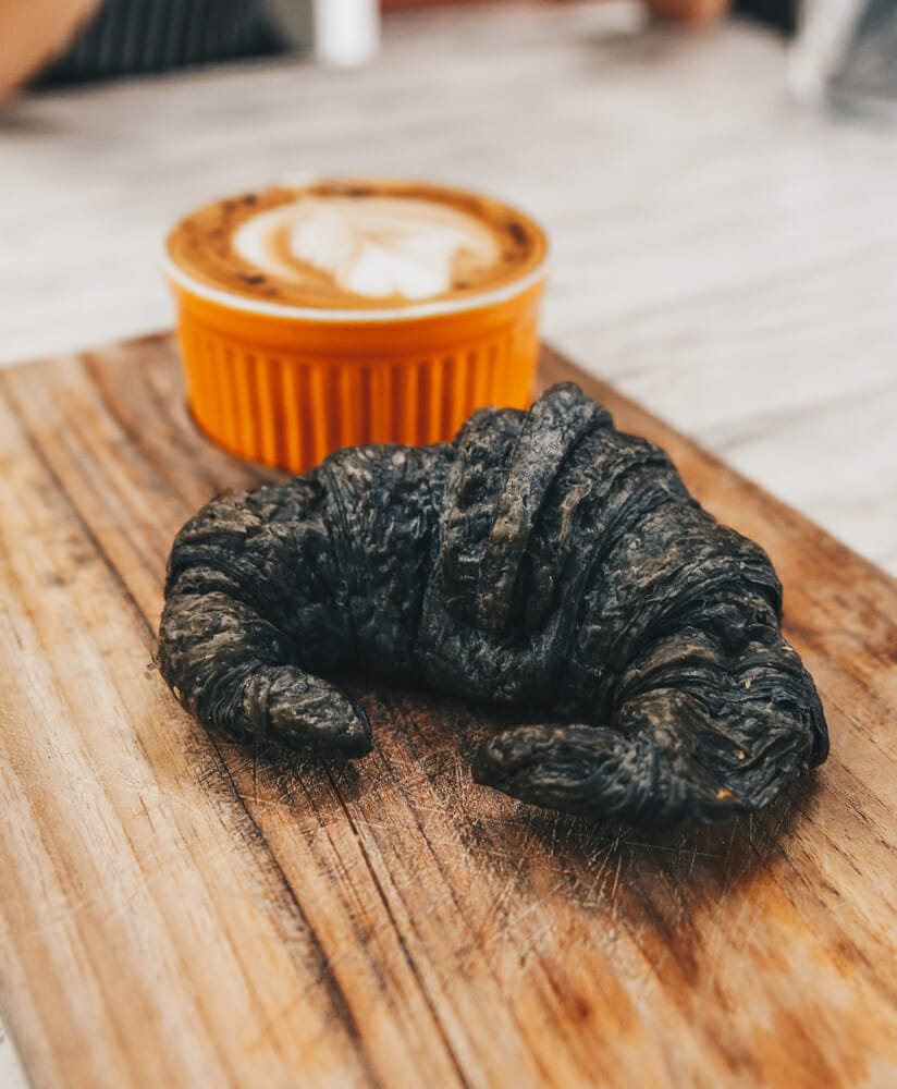 Photo of Tutto sul pane nero al carbone vegetale: fa bene o no? Quali tipi esistono?