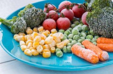 Sai perché il cibo si può congelare ma non ricongelare? Cosa c'è da sapere in tema di congelamento alimenti