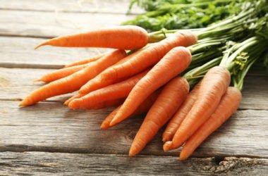Ciambella alle carote senza uova: ricetta ed ingredienti