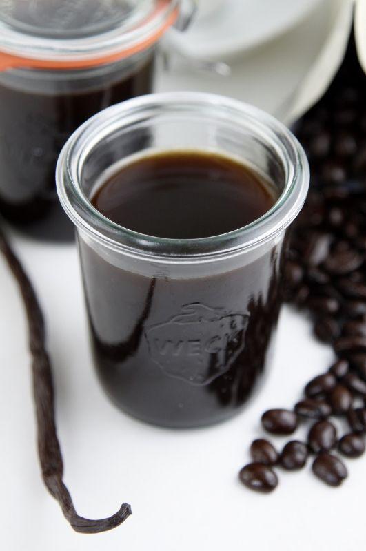 Photo of Come fare un ottimo liquore al caffè in casa: la guida pratica