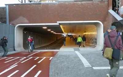 Inaugurato un tunnel solo per bici e pedoni ad Amsterdam