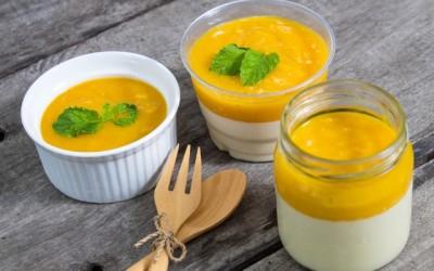 Ecco una ricetta di un dolce facile ed originale, la bavarese al mango