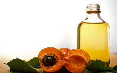 Olio di albicocca: proprietà e benefici