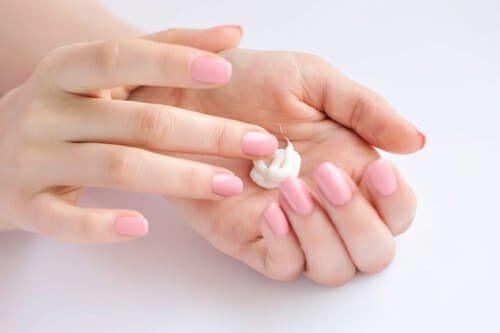 Photo of Per le mani secche, le ricette di crema per le mani fai da te di cui non farai più a meno!