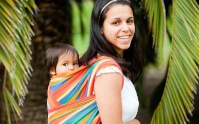 Babywearing: cos'è e quali sono i vantaggi