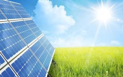 Caldo e afa riducono anche la produzione di energia solare
