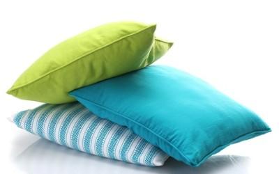 Come lavare i cuscini in casa in modo naturale
