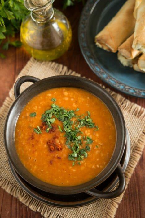 Zuppa di pomodoro e bulgur