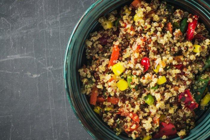 Quinoa con piselli e mais