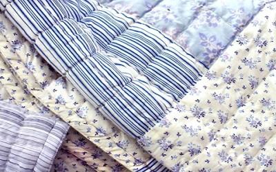Come lavare piumoni e coperte in casa naturalmente