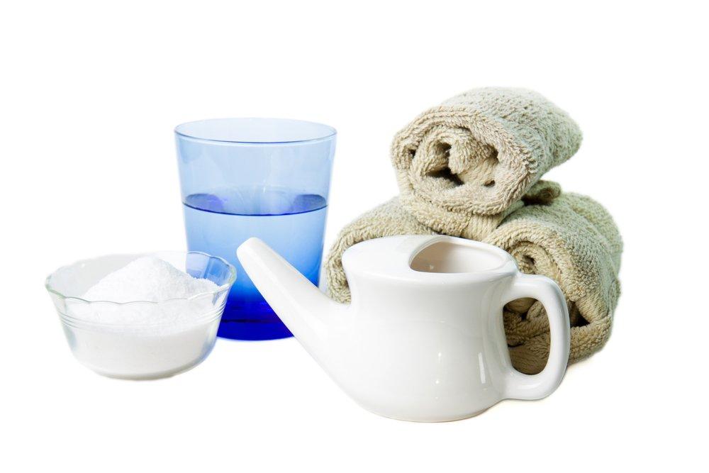 Photo of I lavaggi nasali, nella pratica yoga jala neti, migliorano la respirazione ed aiutano anche a tenere pulite le vie aree: sono per tutti adulti e bambini