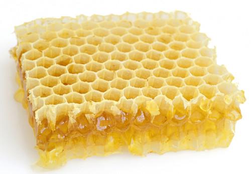 Trucchi fai da te per pulire il legno naturalmente - Cera d api per legno esterno ...