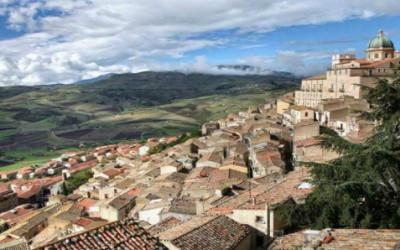 Comprare casa a 1 euro per fermare l'abbandono dei borghi italiani