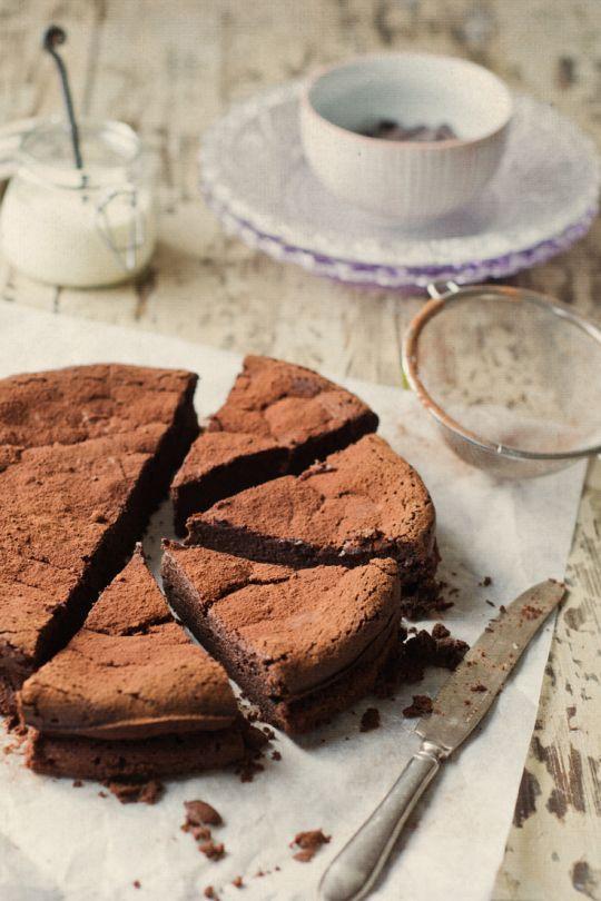 Photo of Torta al cioccolato fondente: ricetta ed ingredienti