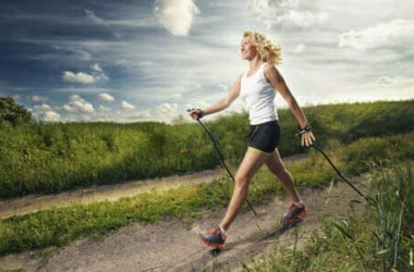 Nordic walking: benefici e tecnica della camminata nordica