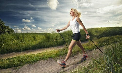 Photo of Nordic walking: benefici e tecnica della camminata nordica