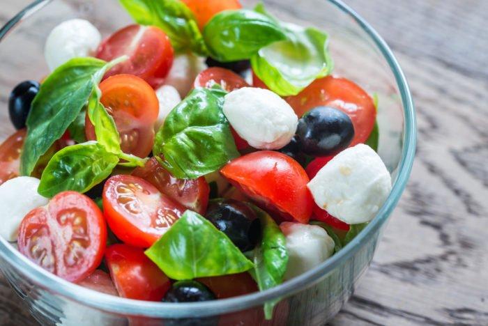 Basilico propriet e utilizzi in cucina e aromaterapia for Coltivazione basilico in vaso