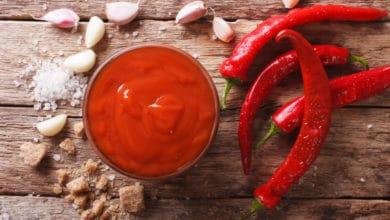 Photo of Una ricetta per chi ama i sapori piccanti: la salsa sriracha fatta in casa