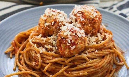 spaghetti con polpette vegetali